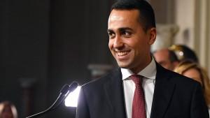 Fünf-Sterne-Bewegung fordert Absetzung von Präsident Mattarella