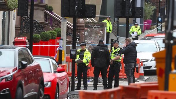Polizei identifiziert Täter nach Messerattacke in Glasgow