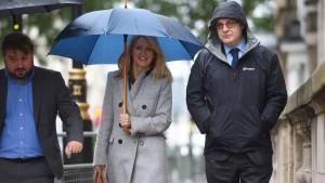 Zehn Tory-Politiker für Nachfolge von Theresa May nominiert