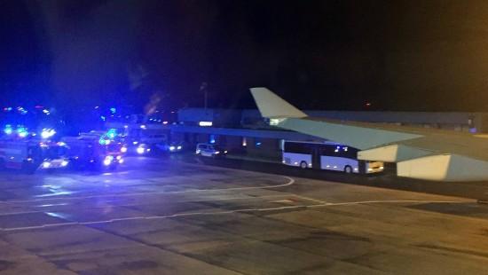 Merkel verspätet sich wegen Schäden an Flugzeug