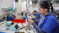 Vollbeschäftigt: Arbeitnehmer in Tschechien brauchen sich nicht vor Arbeitslosigkeit zu fürchten.