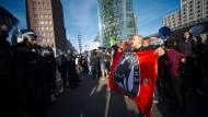 Blockupy demonstriert vor Bundesministerien