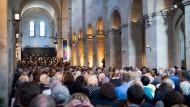 Volles Haus: 120.000 Zuschauer zieht das Rheingau Musik Festival jedes Jahr insgesamt an - Teile davon zum Beispiel in die Basilika von Kloster Eberbach.