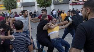 Proteste und Ministerrücktritt im Westjordanland