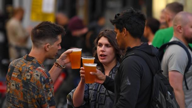 Mehrere britische Pubs nach Corona-Infektionen wieder dicht