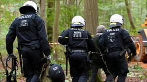 Polizei meldet Fortschritt bei Räumung