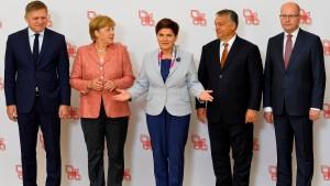 Geschlossen gegen Merkel