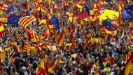 Gegner des Referendums schwenken in Barcelona auch EU-Fahnen.