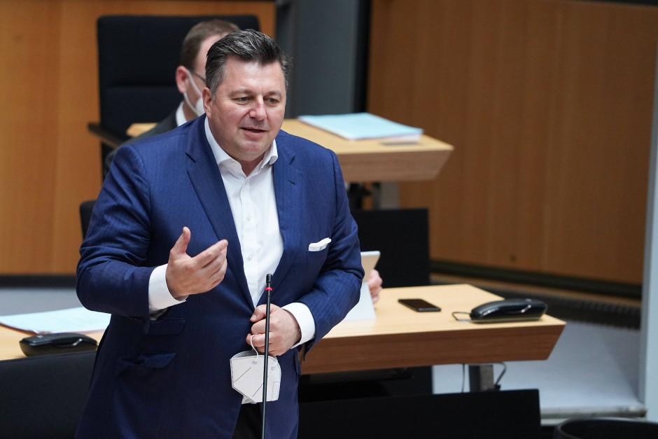 Der Berliner Innensenator Andreas Geisel (SPD) am 22. April im Abgeordnetenhaus
