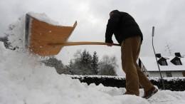 Woche vor Weihnachten beginnt mit Schnee