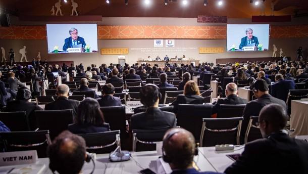 Staatengemeinschaft nimmt UN-Migrationspakt an