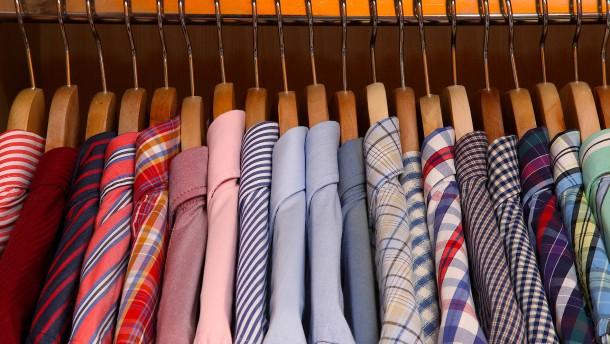 So sortieren Sie Ihren Kleiderschrank effektiv
