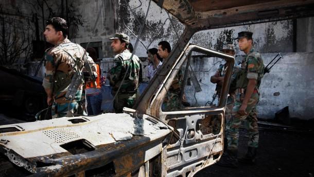 Rebellen verüben Anschlag  im Regierungsviertel