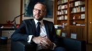 """Michael Roth hält eine neutrale Rolle Deutschlands für """"historisch falsch und politisch brandgefährlich."""""""