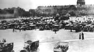 Die französische Armee mobilisierte die letzten Reserven - Pariser Taxis fuhren die Soldaten an die Front