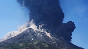 Wieder heftiger Ausbruch am Vulkan Stromboli