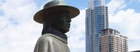 Der Texaner Stevie Ray Vaughan wird in Austin so sehr verehrt, dass sogar eine Statue an den Bluesmusiker erinnert.