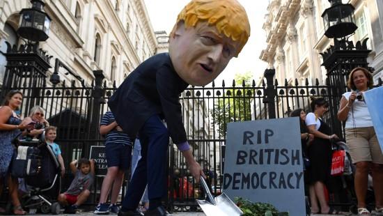 """Empörung über Johnsons """"Putsch"""""""