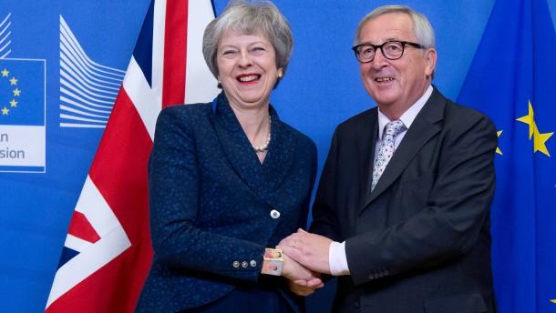 May wirbt in offenem Brief für Brexit-Einigung