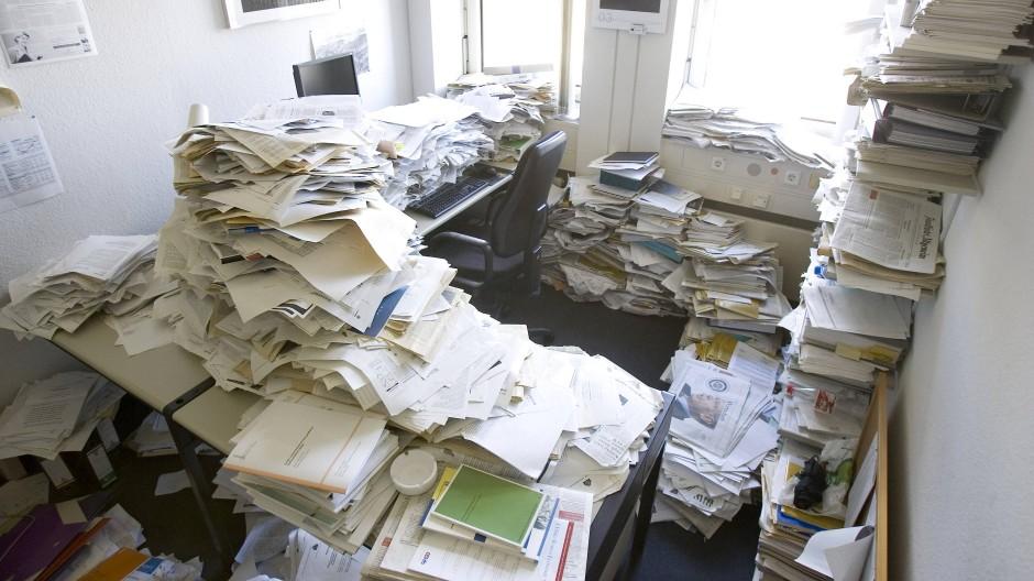 Papierkrieg am Schreibtisch