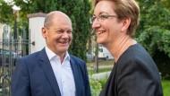 Vizekanzler Olaf Scholz und Klara Geywitz, SPD-Landtagsabgeordnete in Brandenburg