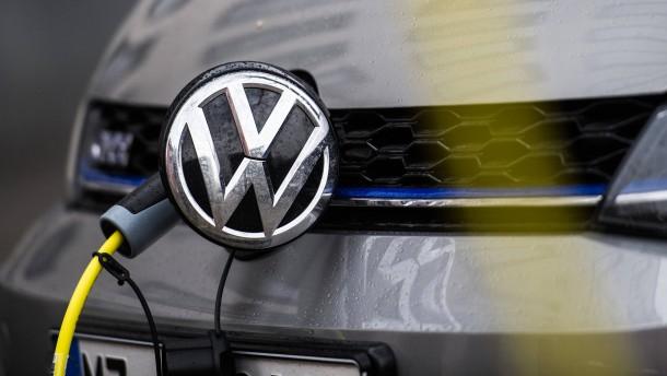 E-Autos sind gar nicht so umweltfreundlich? VW kontert