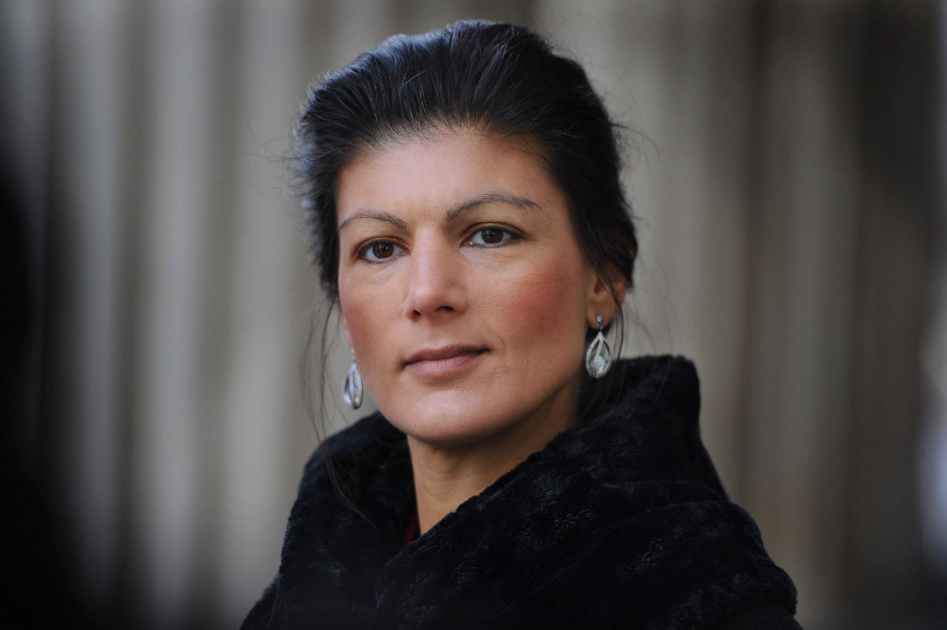 Offenen sahra wagenknecht haaren mit Sahra Wagenknecht