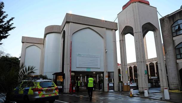 Mann in Londoner Moschee niedergestochen