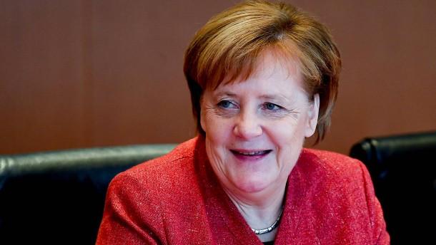 Merkel gewinnt in Politiker-Ranking deutlich dazu