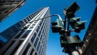 Die Wirtschaftskanzlei Freshfields Bruckhaus Deringer hat ihren Unternehmenssitz in Frankfurt.