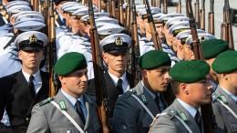 Bundeswehr prüft Aufnahme von Ausländern