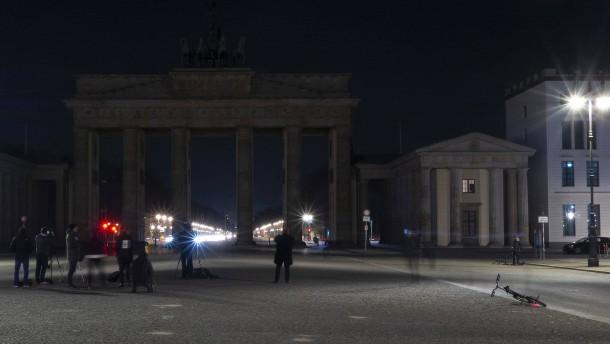 Licht aus am Brandenburger Tor