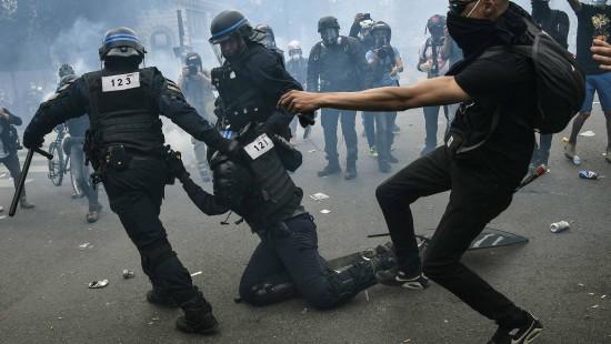 Tränengas bei Anti-Rassismus-Demo in Paris