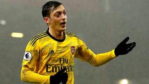 Arsenal enttäuscht mit Özil in der Startelf