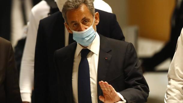 Sarkozy zu drei Jahren Haft verurteilt – zwei Jahre auf Bewährung