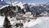 Schwer angeschlagen: Auch Bergbahnen und Hotels in den Alpen leiden unter den Folgen der Pandemie, etwa in Engelberg in der Schweiz.