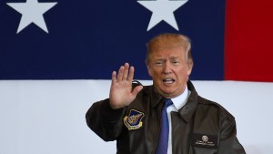 Trump bricht unangekündigten Flug in demilitarisierte Zone ab
