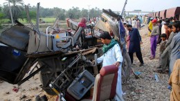 Mindestens 19 Tote bei Zugunfall