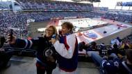 """Eishockey an frischer Luft: Auch die Fans genossen das """"Heritage Classic"""""""