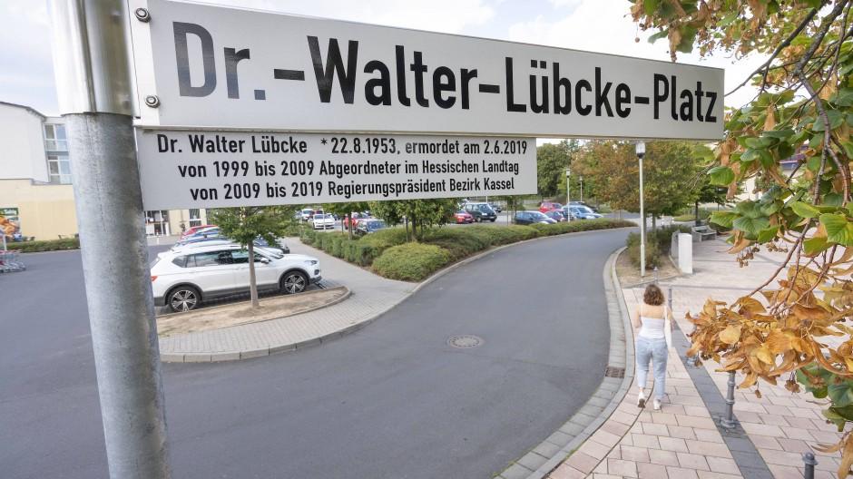 Mahnung: der umbenannte Platz vor der Rosbacher Stadthalle