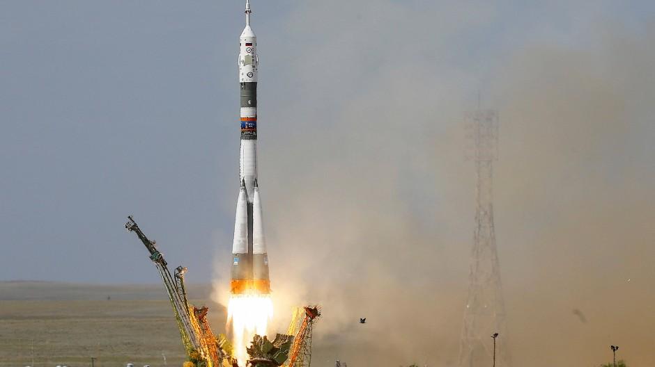 Volle Kraft voraus: Mittwoch startete die Sojus-Rakete mit Alexander Gerst an Board. Heute soll sie um 15:07 Uhr an der Raumstation andocken.