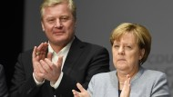 Neue Hausaufgaben: Merkel mit Althusmann im Wahlkampf