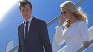 Minister für Alles: Jared Kushner mit seiner Frau Ivanka Trump auf dem römischen Flughafen Fiumicino.