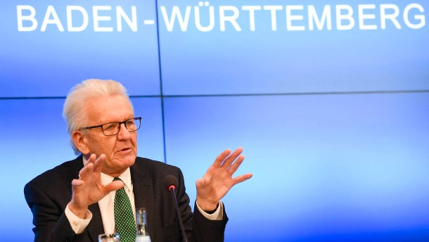 Kretschmann schlägt kürzere Schulferien vor