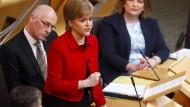 Parlament stimmt für weiteres Unabhängigkeitsreferendum