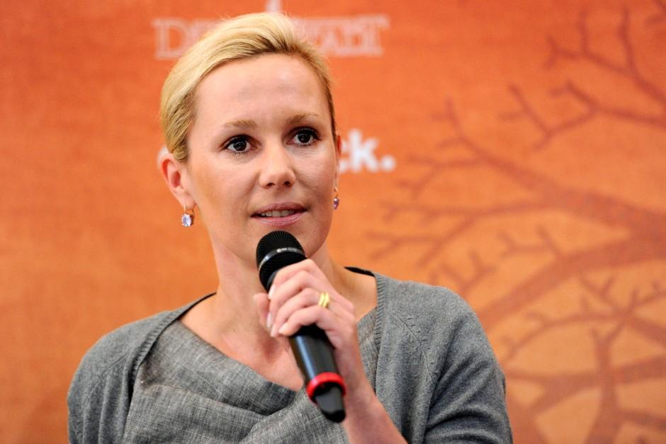 Nach einem Medienbericht hat Bettina Wulff in dem Verfahren gegen ihren Mann überraschend ausgesagt