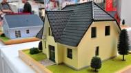 Daumenregel für den Hauskauf: Eine Immobilie sollte nicht mehr kosten, als sie in 20 Jahren an Miete einbringt.