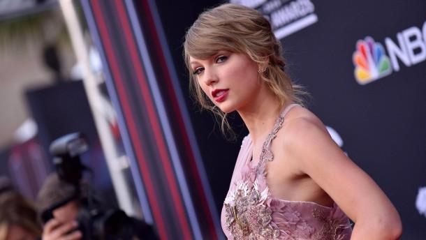 Taylor Swift äußert sich erstmals politisch