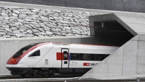 Der Gotthard ist eröffnet - ein Tunnel für Europa