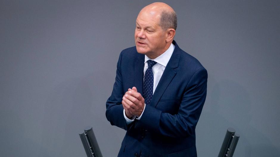 Der Bundestag hat den Nachtragshaushalt von Finanzminister Olaf Scholz angenommen.